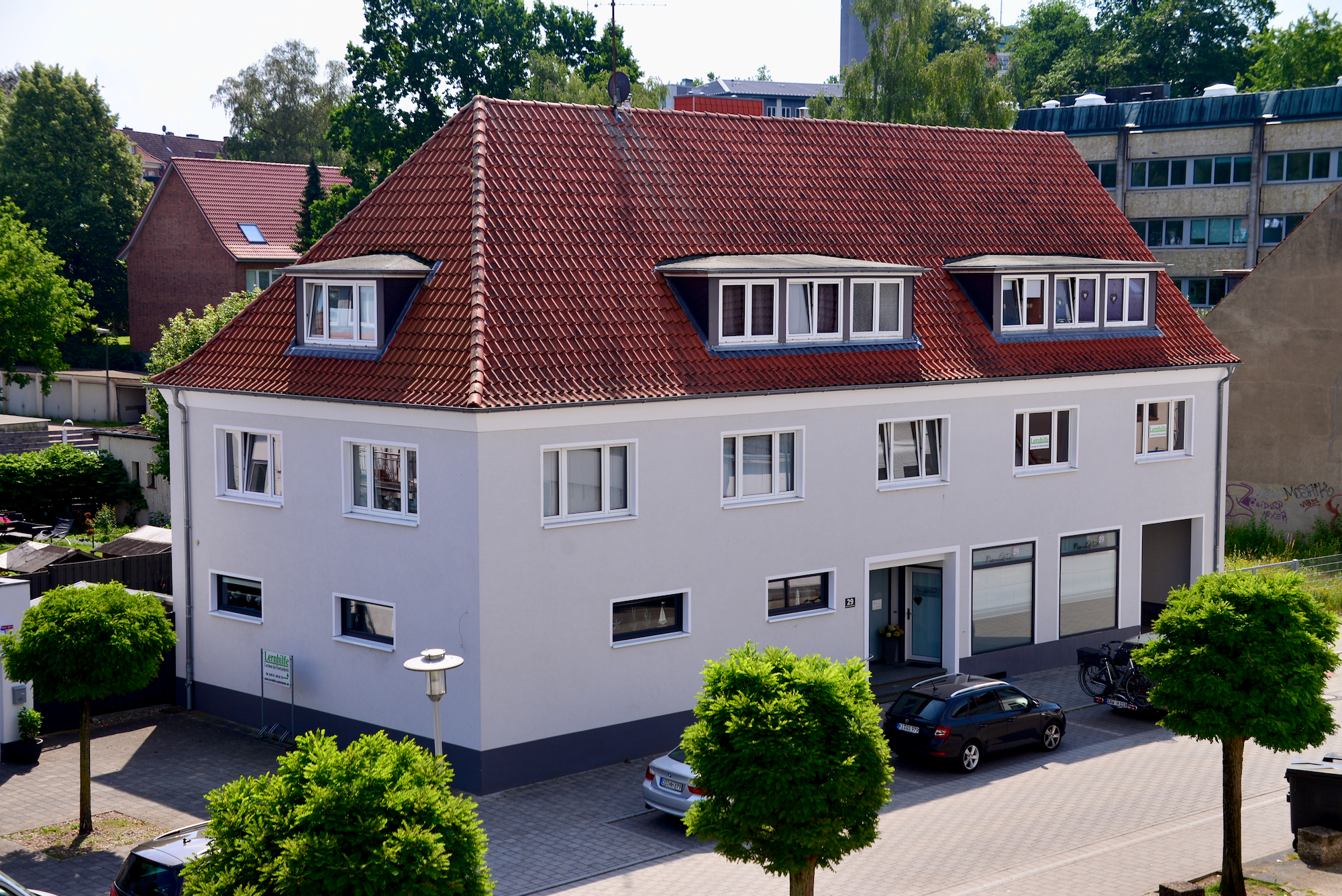 Brunnenstraße 29 – Sitz von Kosmetik im Hof